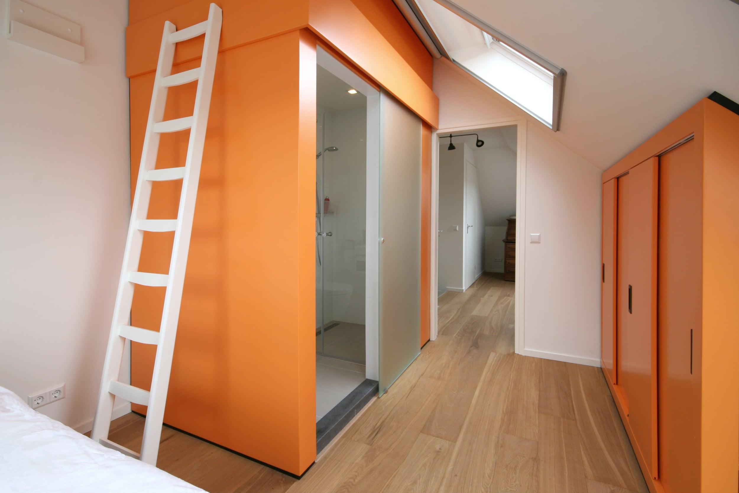 Oranje kast