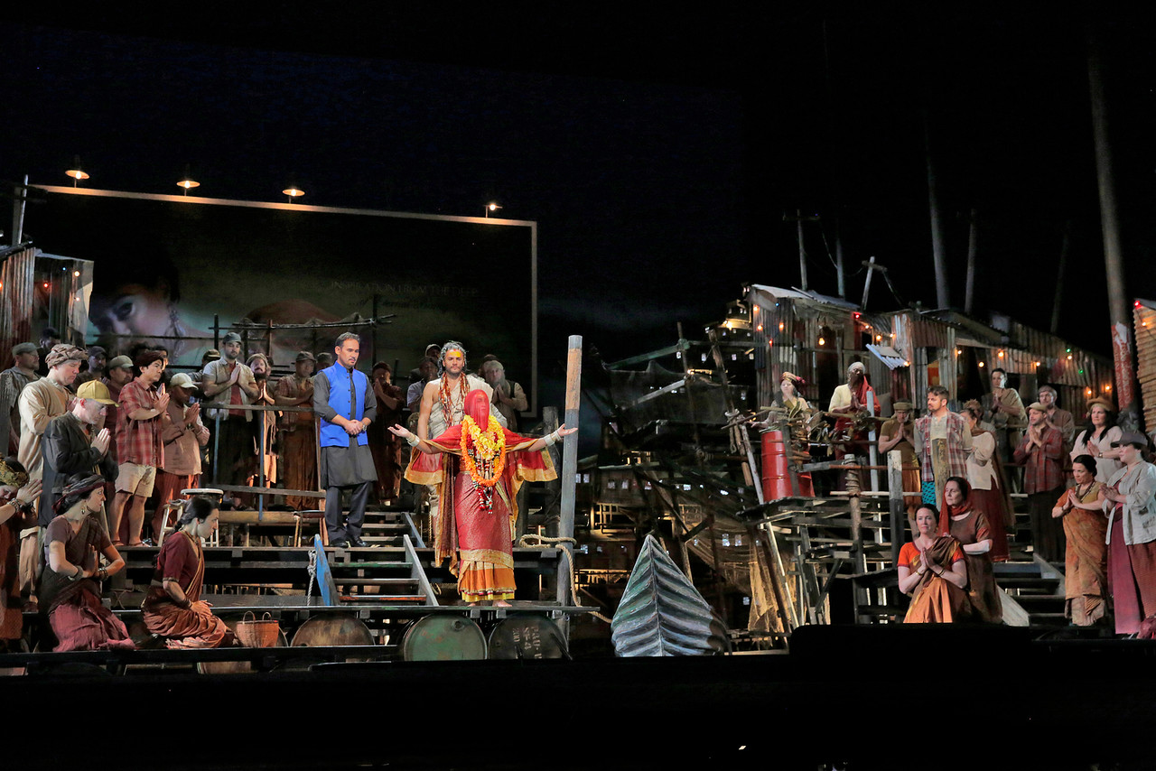 The Pearl Fishers  2016. Photo by Ken Howard; courtesy of the Metropolitan Opera.