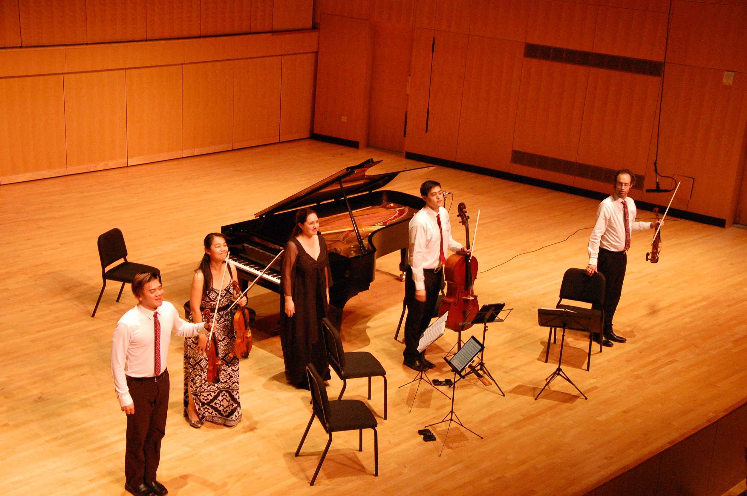 Eric Chin, violin; Pei-Ling Lin, viola; Simone Dinnerstein, piano; Jeremiah Shaw, cello; and Joseph Maile, violin. Photo by Ronald Fedorczak; courtesy of the Candlelight Concert Society.