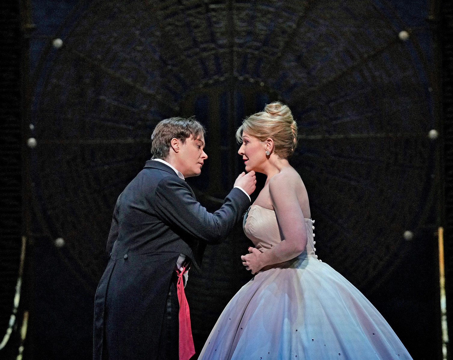 Love happens - Alice Coote as Prince Charming and Joyce DiDonato as Cendrillon. Photo by Ken Howard; courtesy of the Metropolitan Opera.