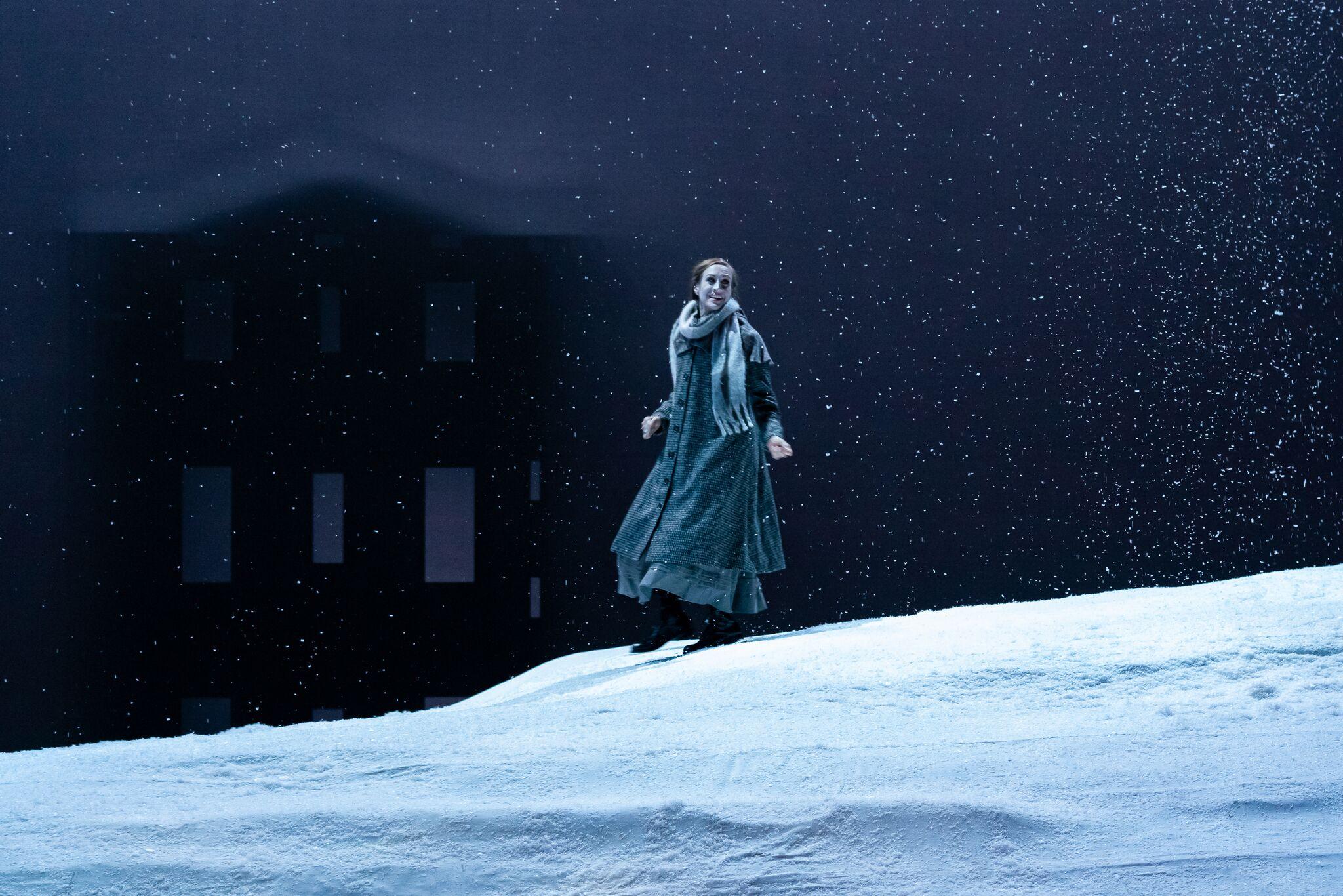 Lucia played by Brenda Rae. Photo by Steven Pisano; courtesy of Opera Philadelphia.