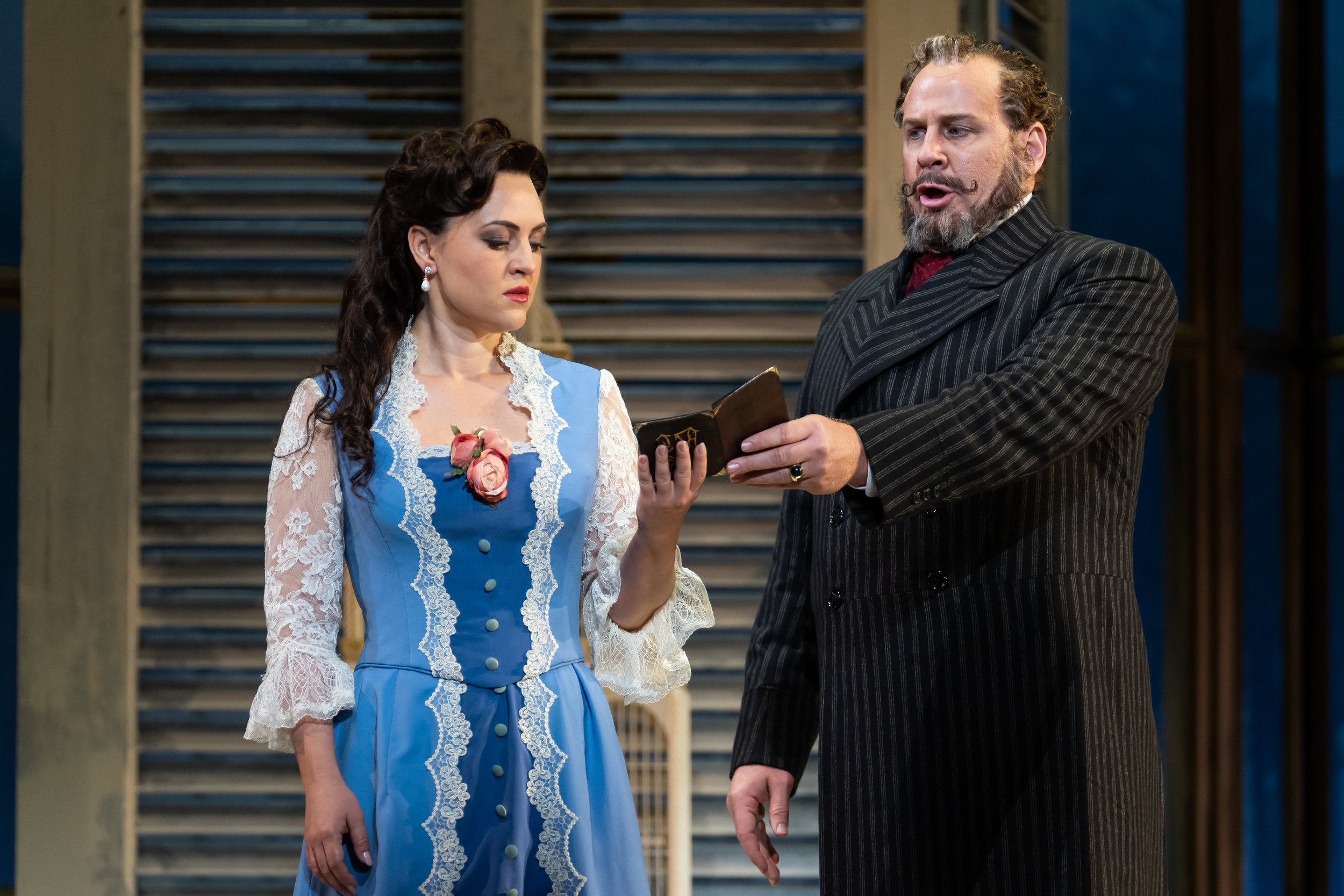 Giorgio Germont (baritone Lucas Meachem) gives Violetta (soprano Venera Gimadieva) an ultimatum in WNO's La traviata 2018 production_credit Scott Suchman.JPG
