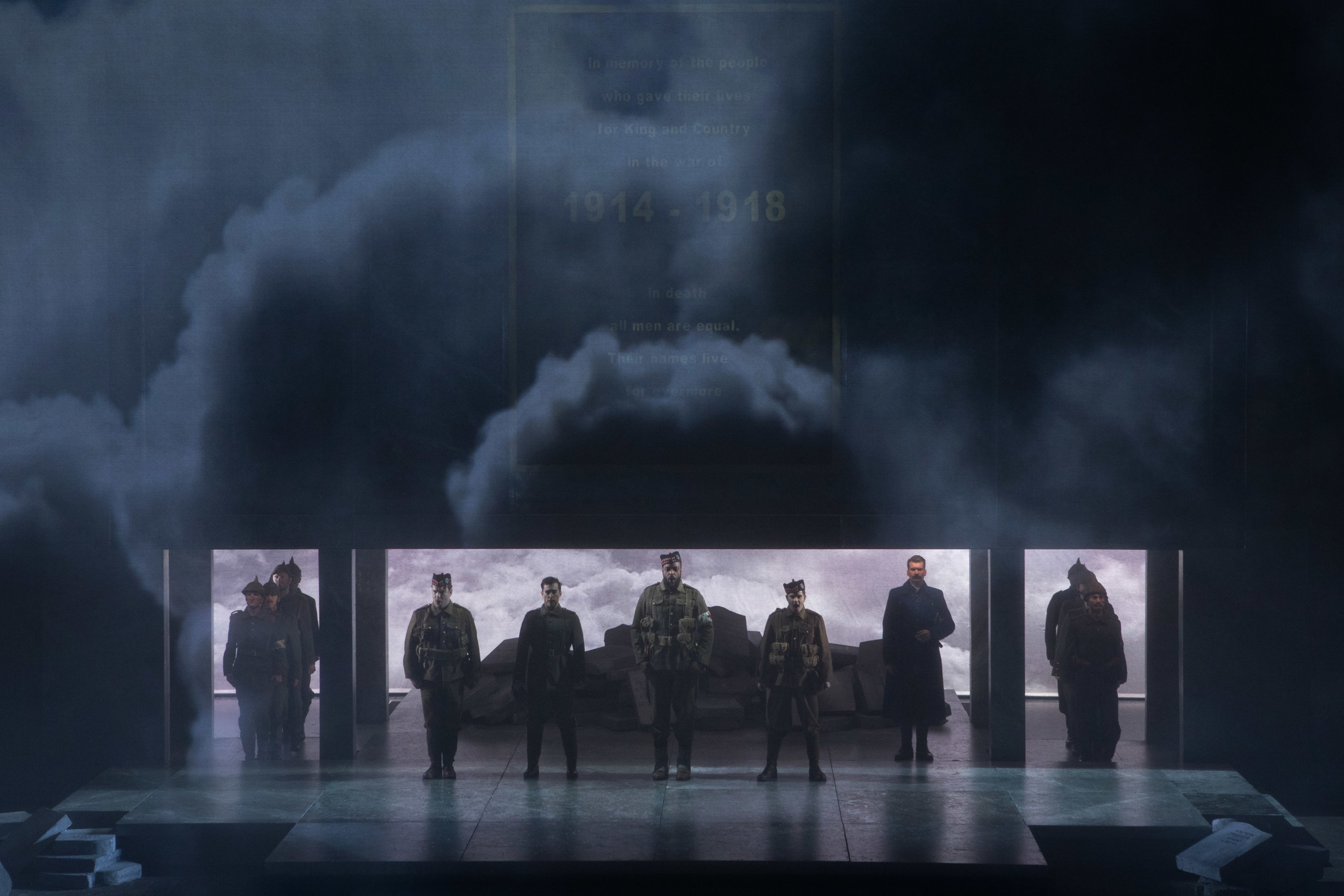 The fog of war enshrouds the Scottish troops. Photo by Teresa Wood; courtesy of Washington National Opera.