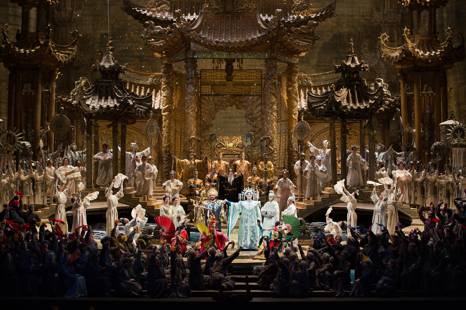 Scene from  Turandot . Photo by Marty Sohl; courtesy of the Metropolitan Opera.