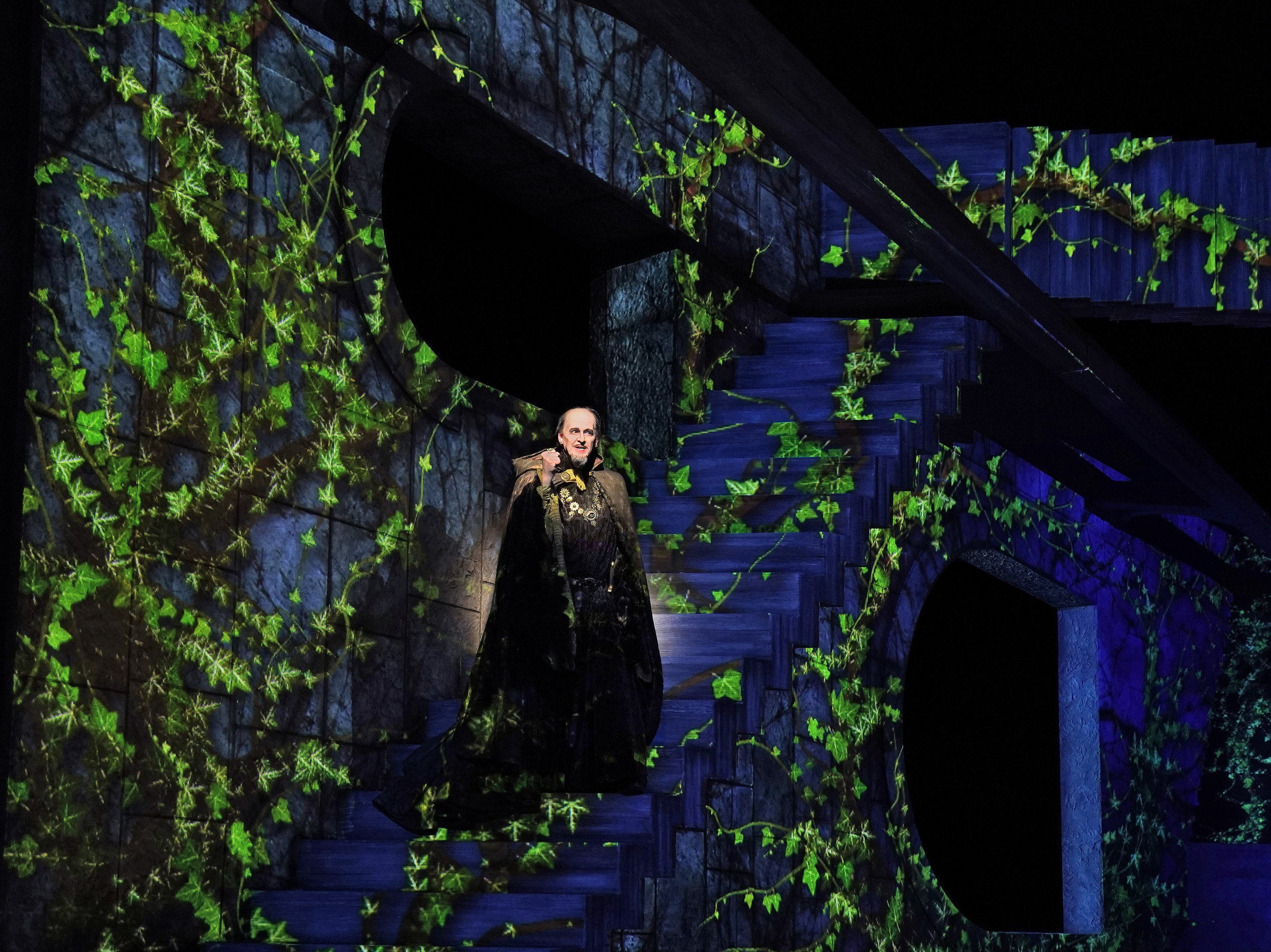 Bradley Garvin as Drokan in a spectacular set. Photo by Ken Howard; courtesy of Santa Fe Opera.