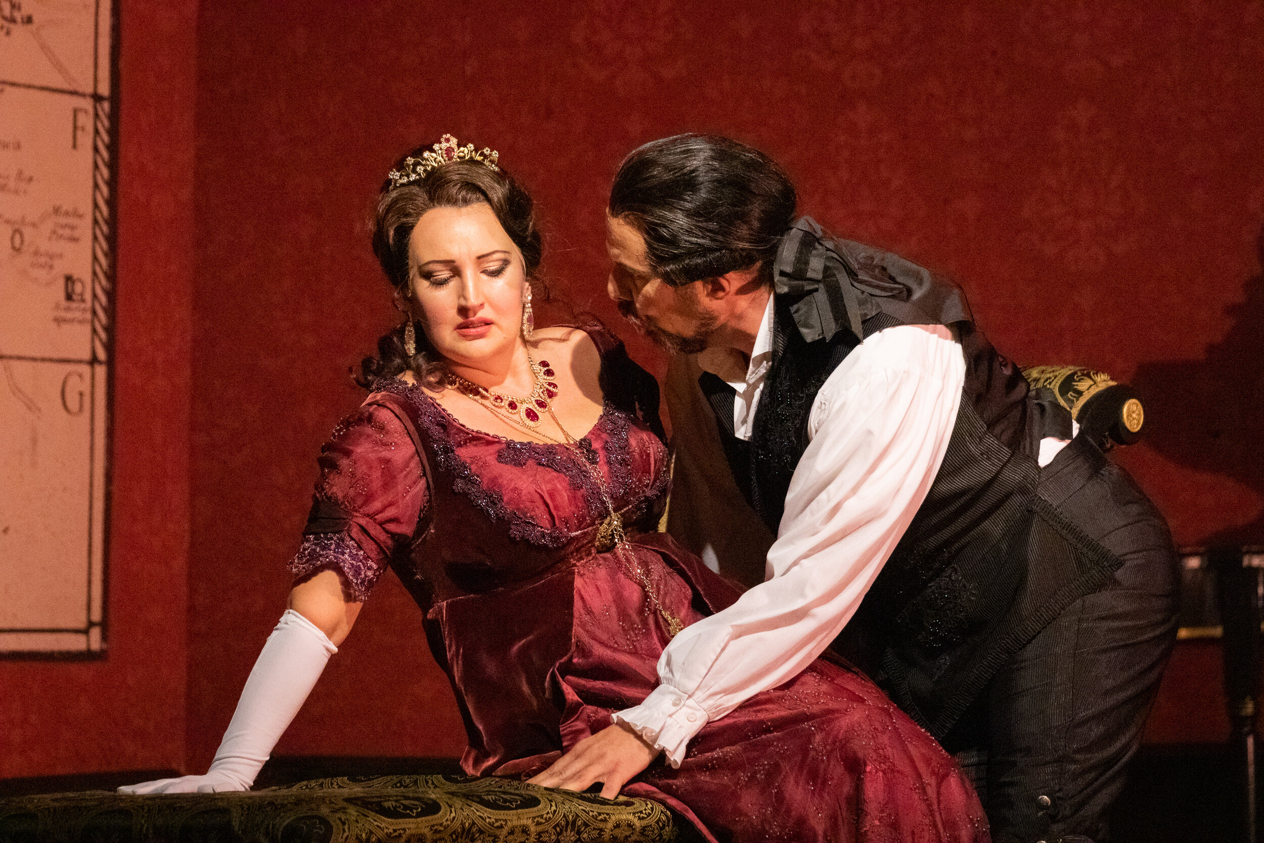 Ewa Płonka as Tosca and Kyle Albertson as Scarpia. Photo by Ben Schill Photography; courtesy of Virginia Opera.