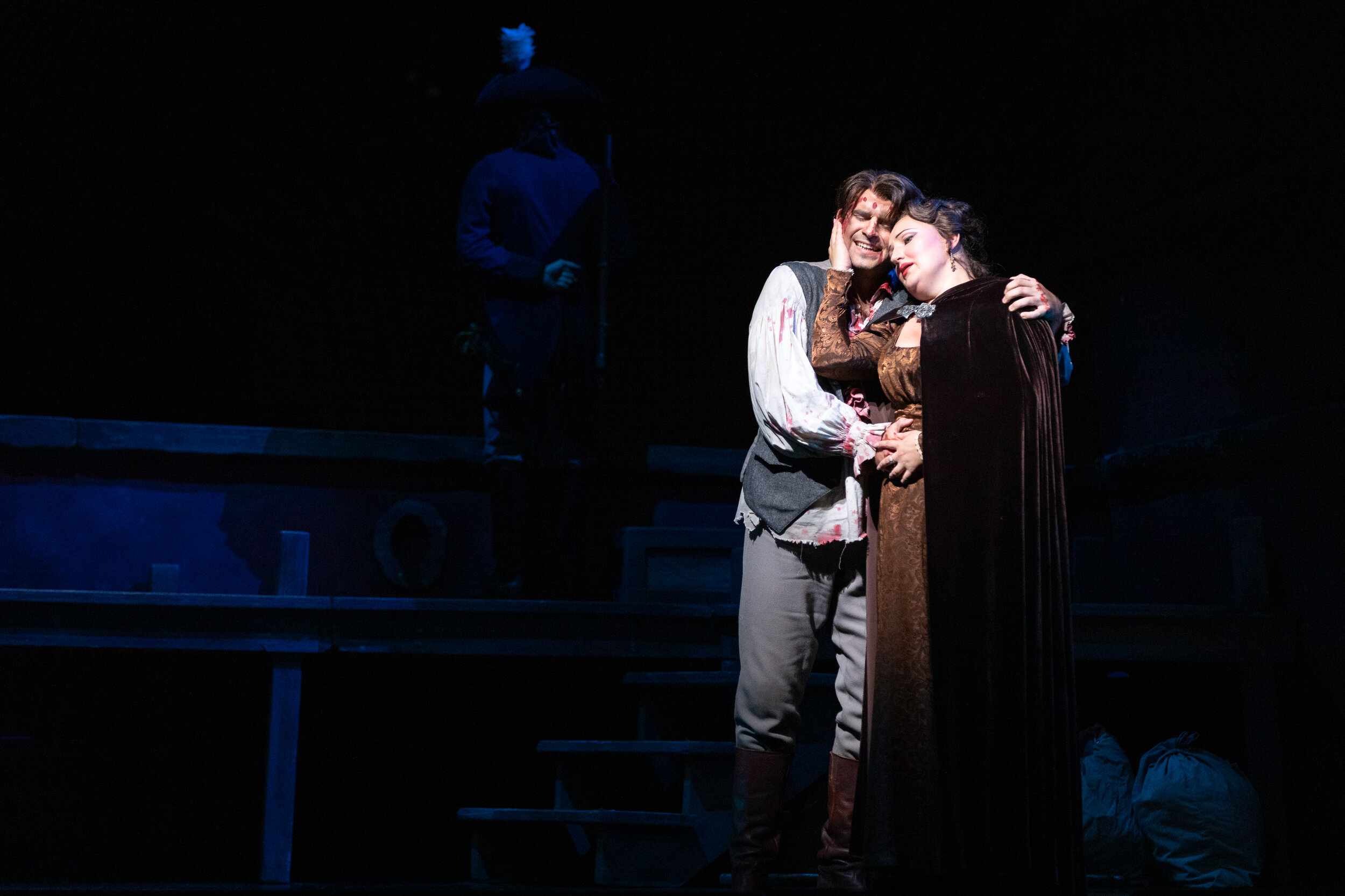 Cavaradossi (Matthew Vickers) and Tosca (Ewa Płonka) share their last moments together.