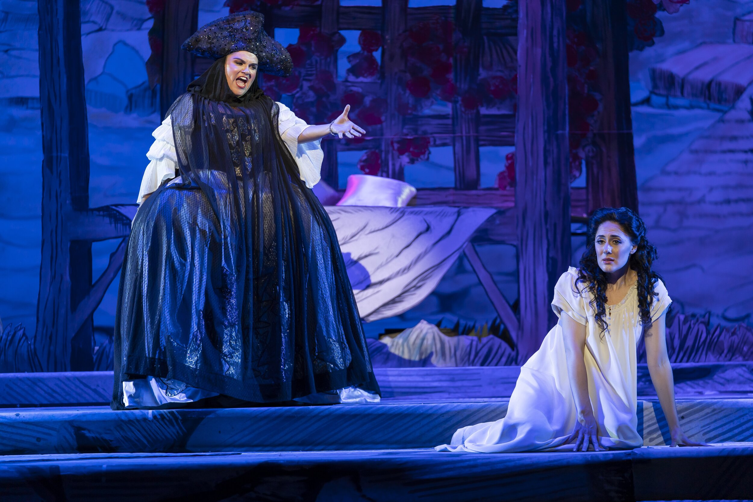l to r : Kathryn Lewek as the Queen of the night and Sydney Mancasola as Pamina. Photo by Scott Suchman; courtesy of Washington National Opera.