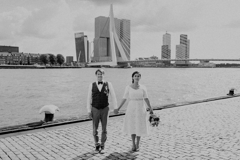 Bride and groom in front of Maas and Erasmus bridge