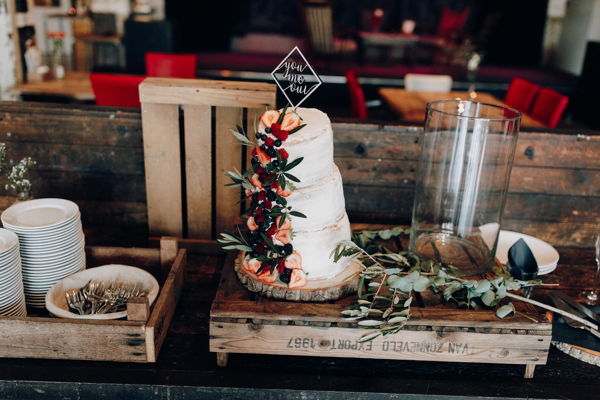 Bruidstaart in cafe Afzakkerij in Veghel