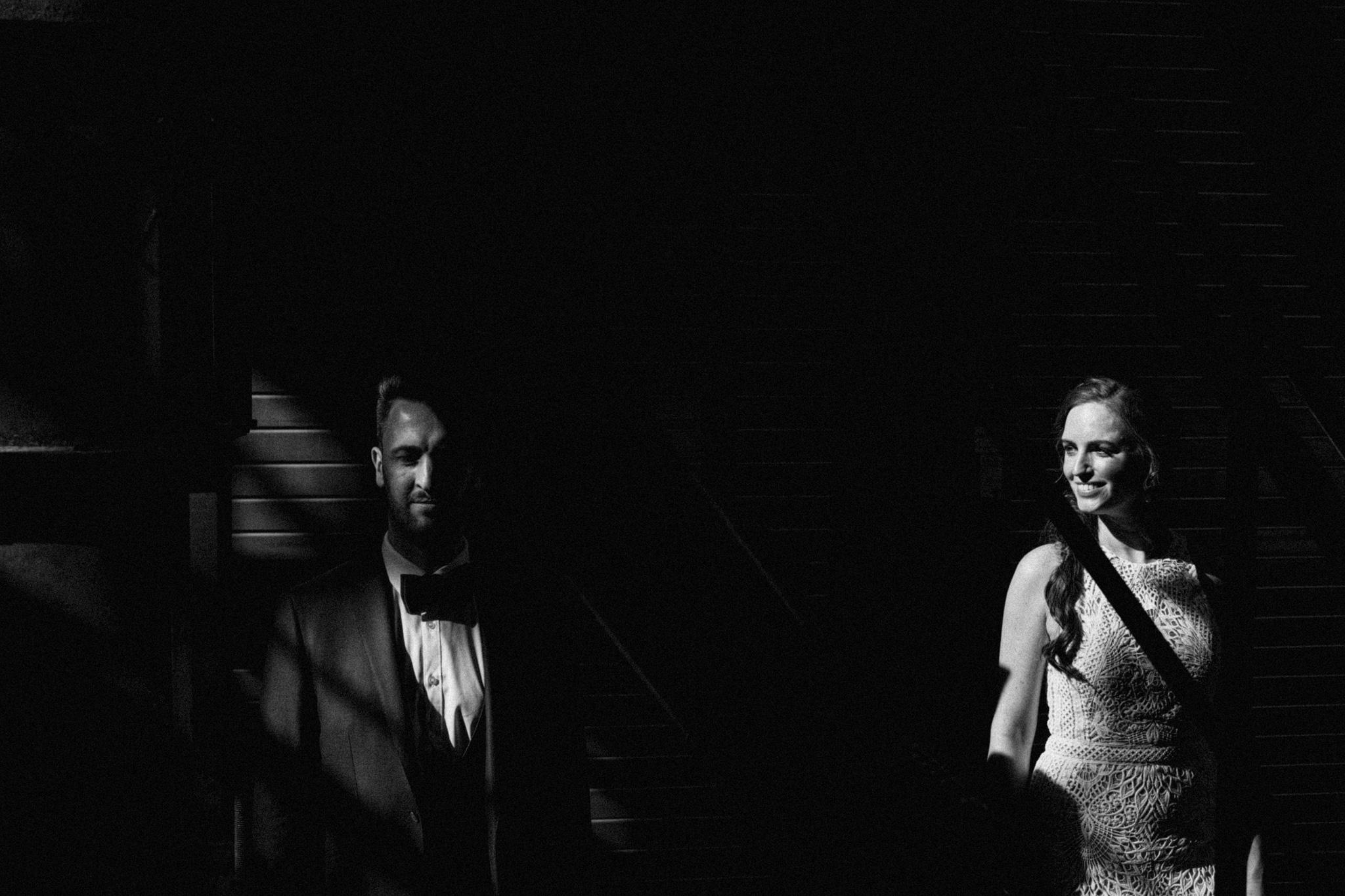 Bruid en bruidegom tijdens fotoshoot in CHV Noordkade