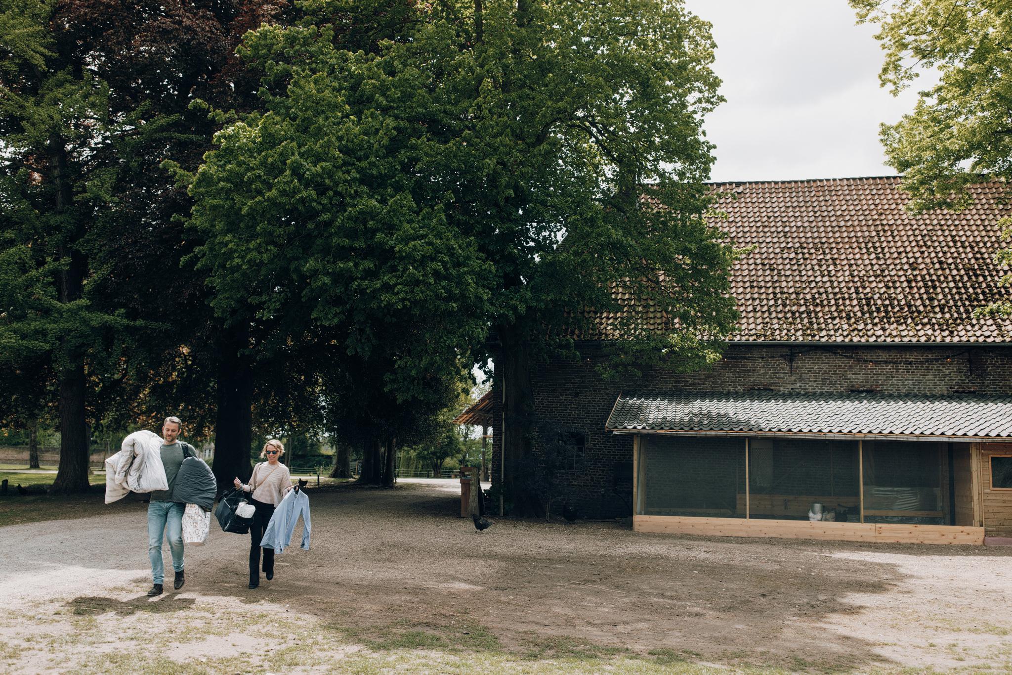 Gasten die aankomen bij Kloster Graefenthal