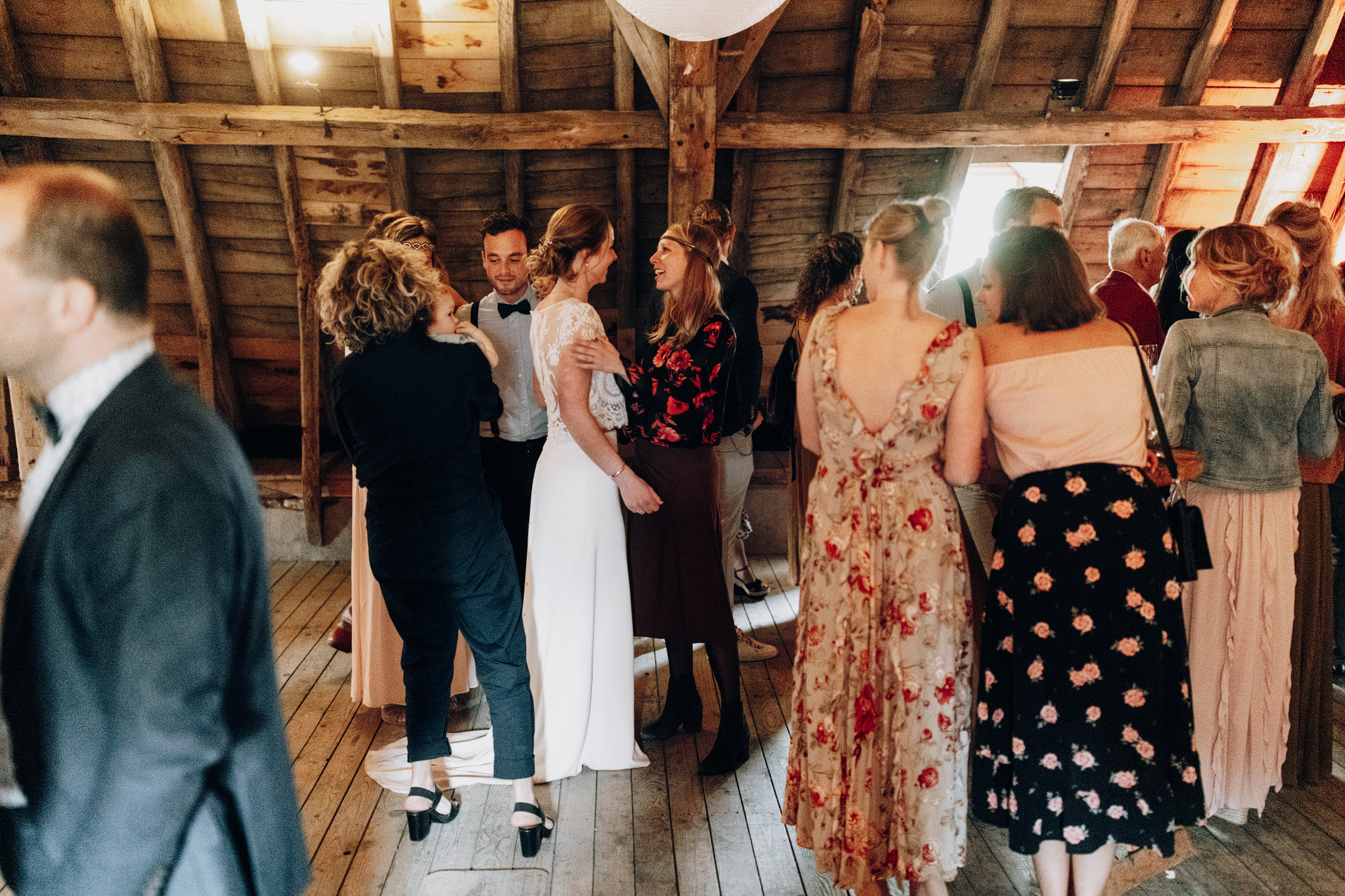 Gasten op bruiloft borrel zolder Kloster Graefenthal