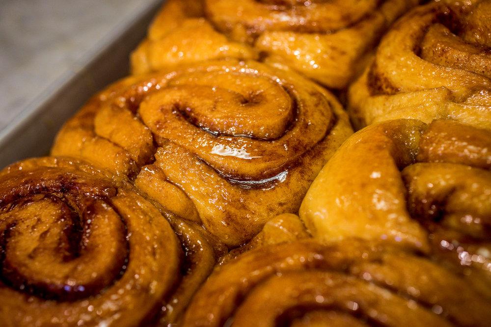 Sweet Jills in Long Beach, the making of cinnamon rolls