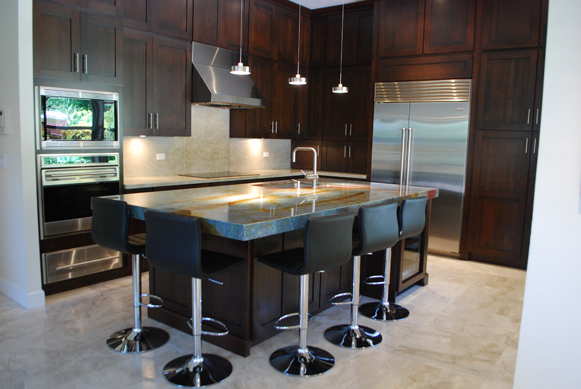 Wine and Dine - Full Overlay Cabinetry