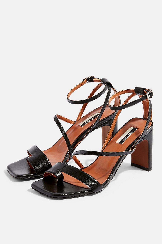 RIO Black Toe Loop Sandals
