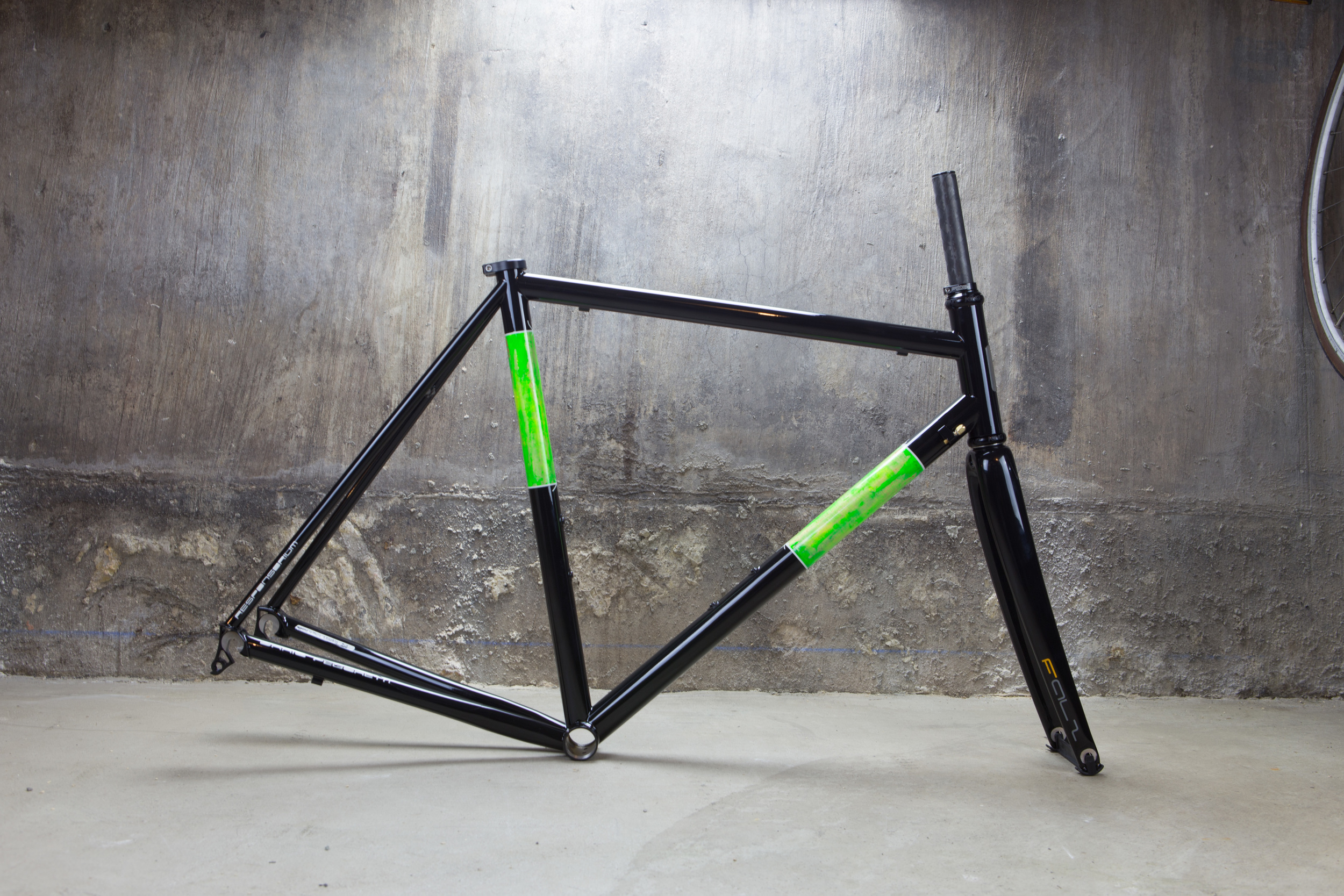 Pegoretti-Responsorium-green-stucco-panels-5817.jpg