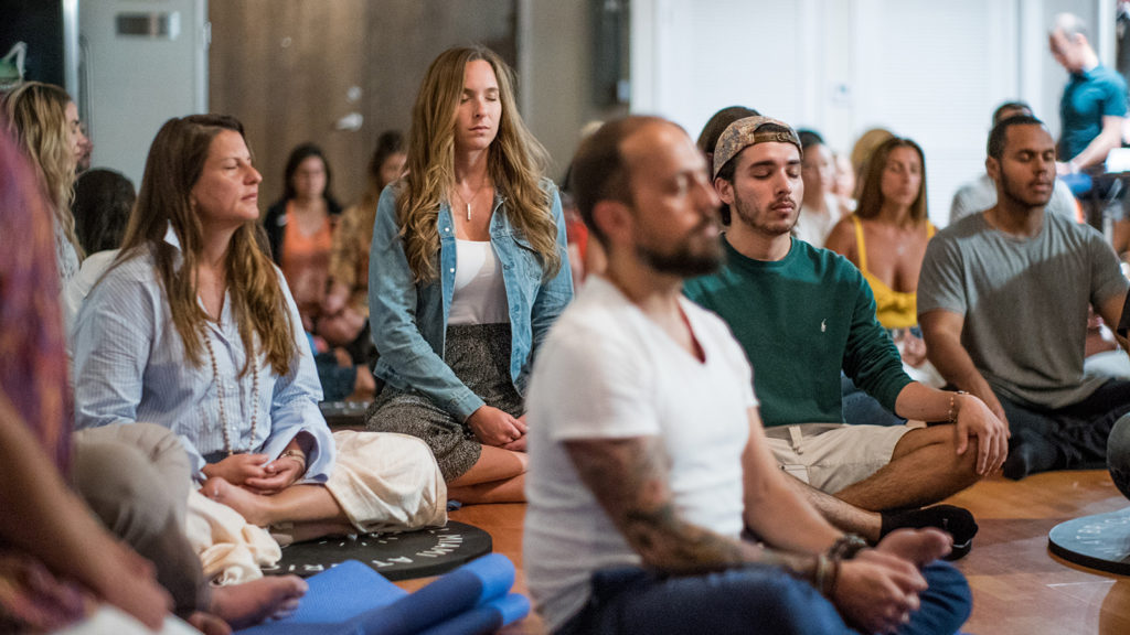 What-to-wear-to-meditation-class-galore-cover-1024x576.jpg