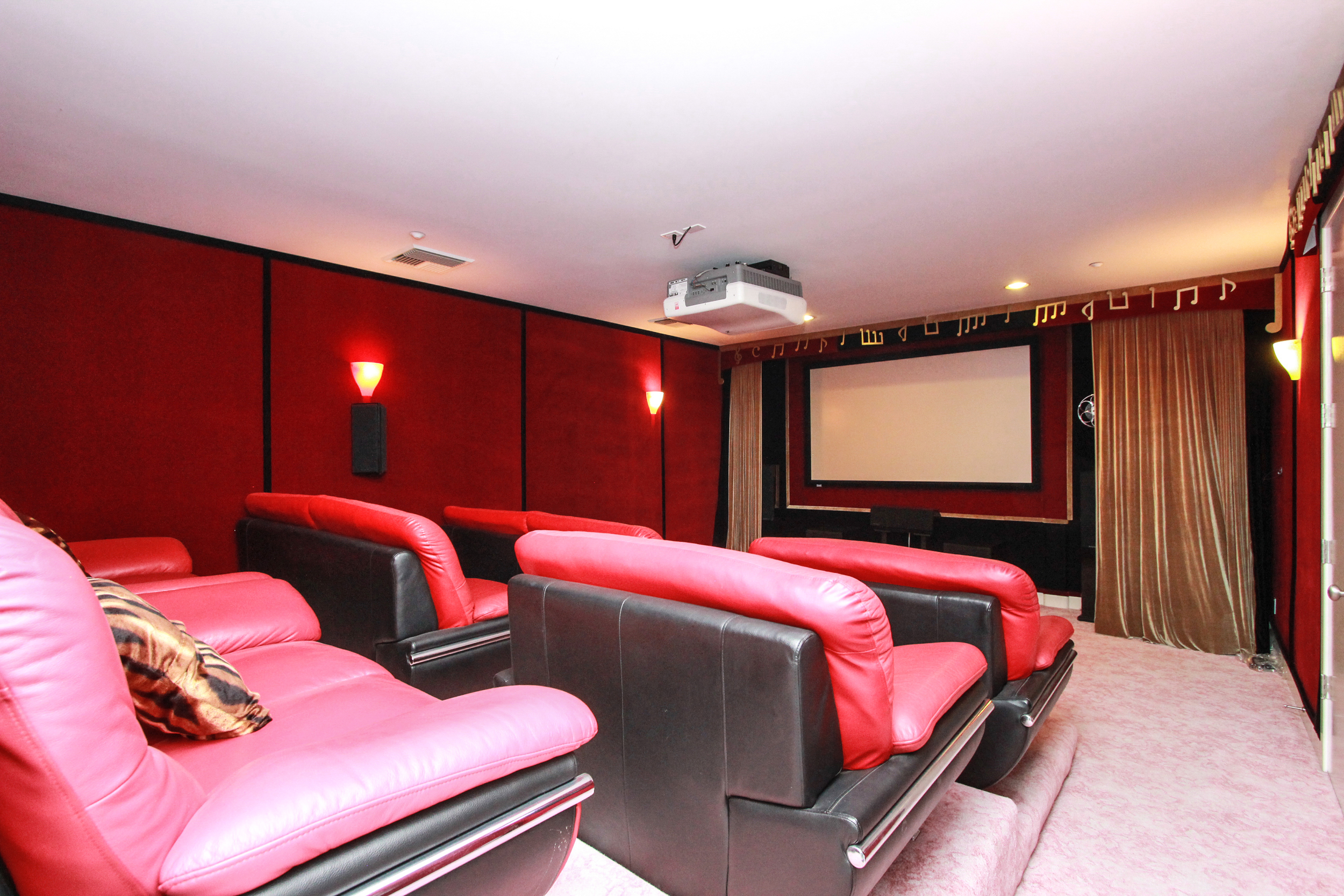 HomeTheater_1.jpg