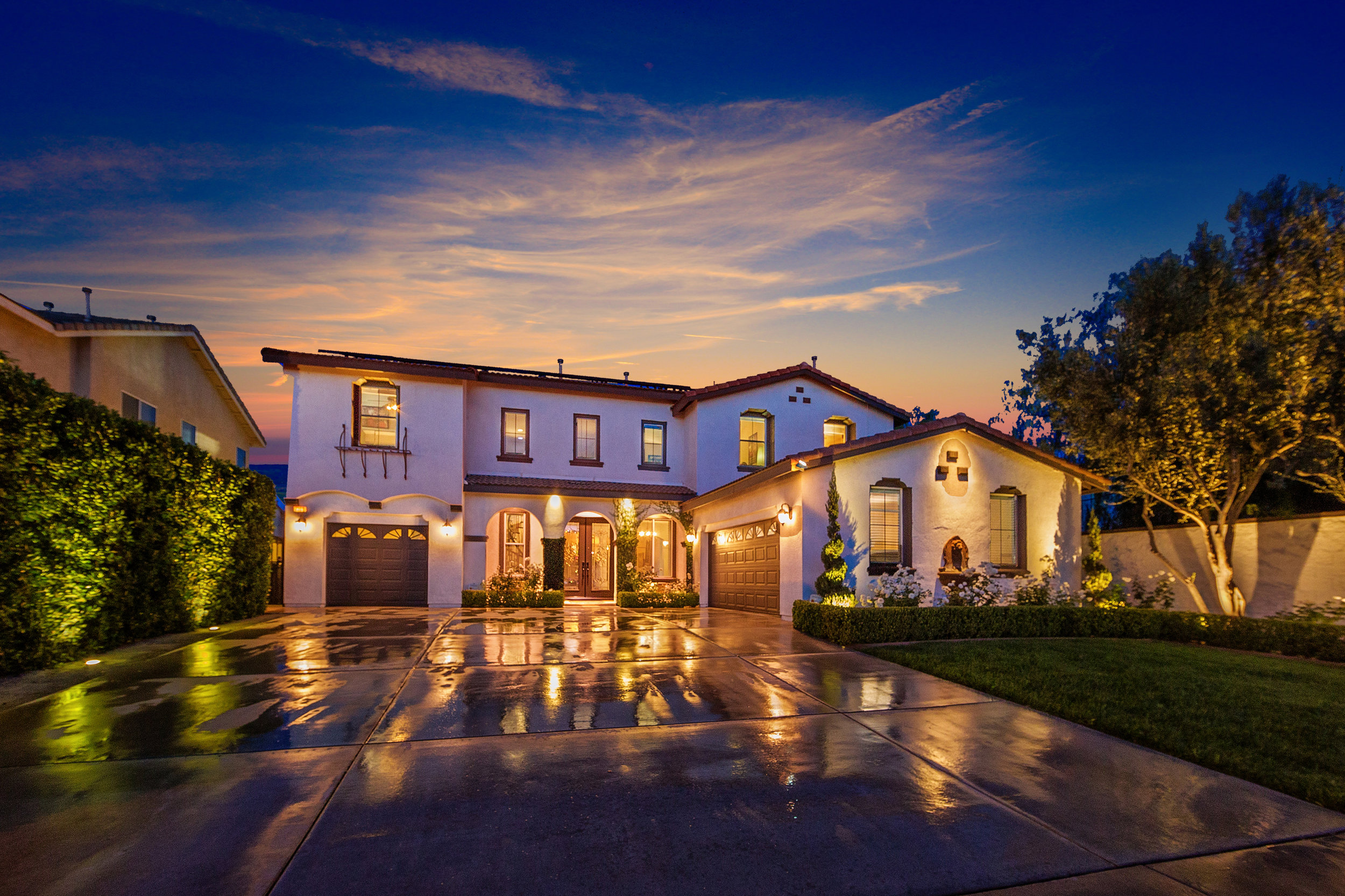 7230 Cottage grove dr. eastvale, CA 92880 5BR & 4.5 BA, Yr Built 2006 3,631 SQFT Living, 9,583 sqft lot