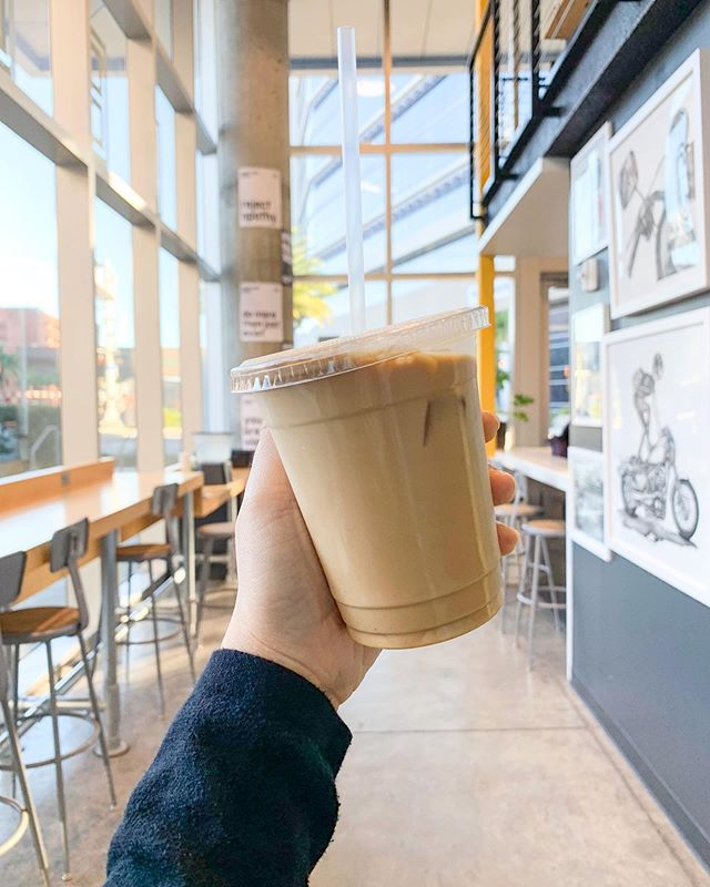 Happy Monday! Iced cafe con leche is one of my fav orders @downtowncredo. ☕️