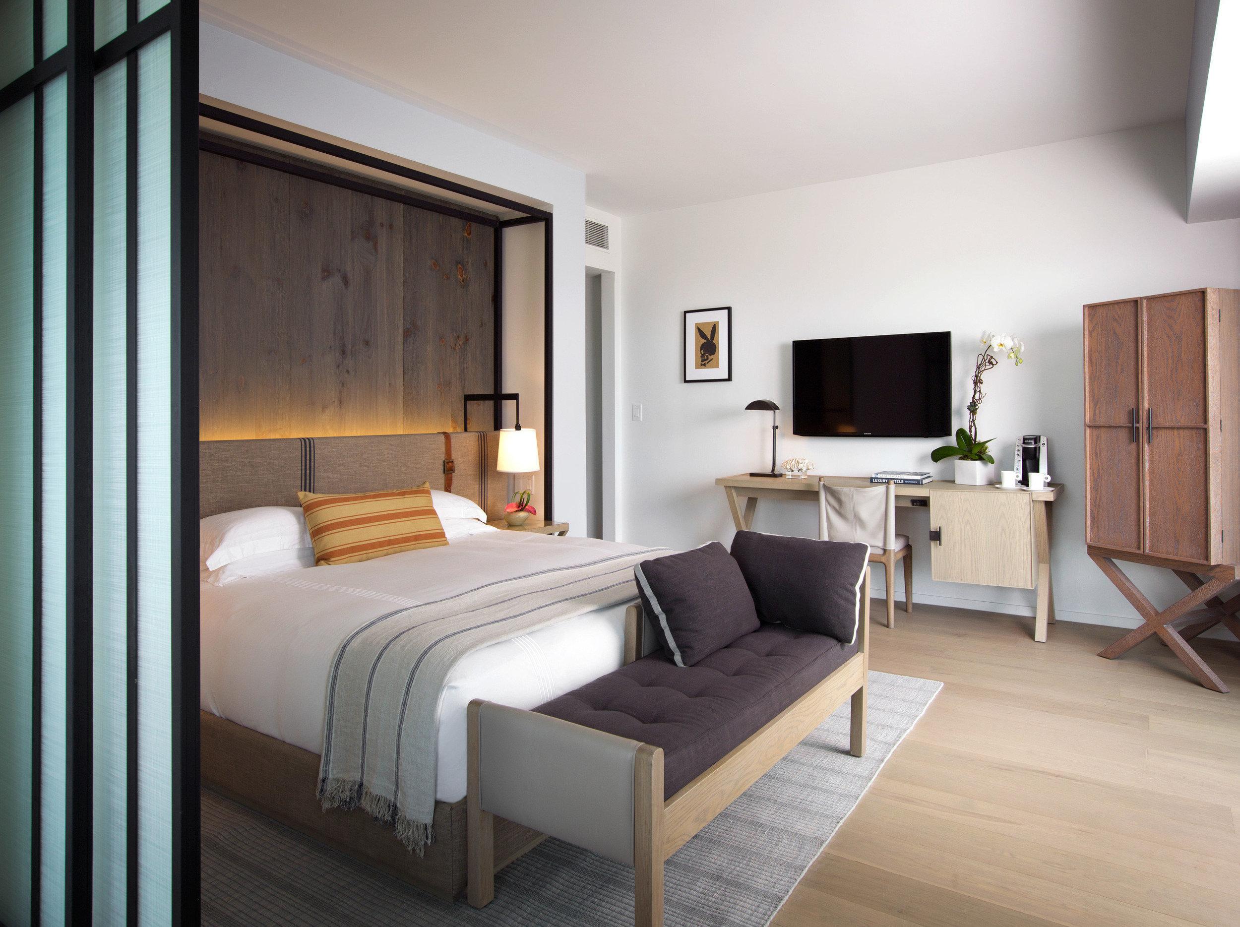 balcony-bedroom-luxury-scenic-views-2.jpeg