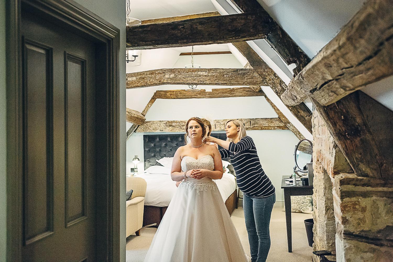 Kings Head Hotel Cirencester Wedding Photography-12.JPG