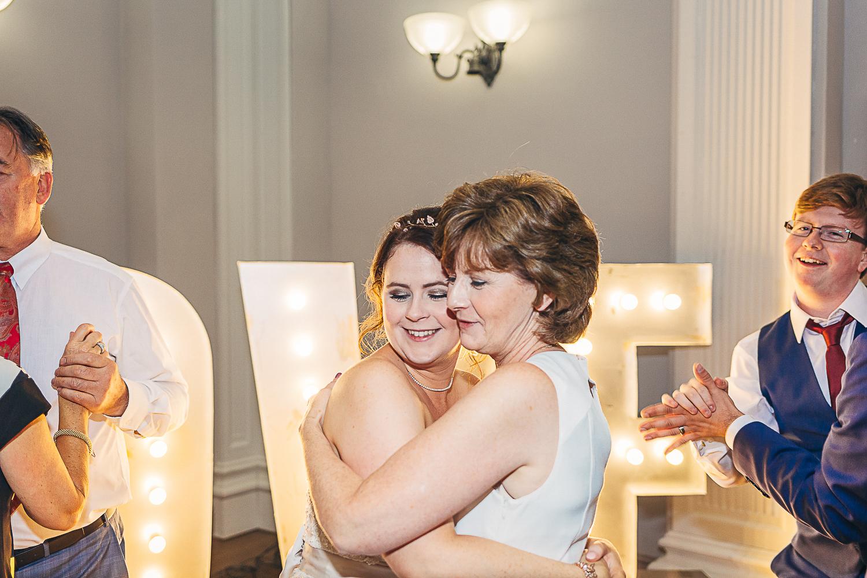 Kings Head Hotel Cirencester Wedding Photography-49.JPG