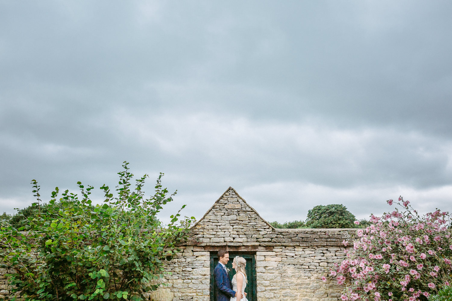 E&J | Cogges Manor Farm Wedding Photography-373.JPG