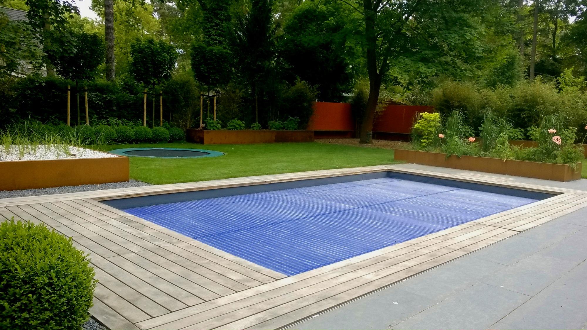 Heike_Bogatzki_Swimmingpool.jpg