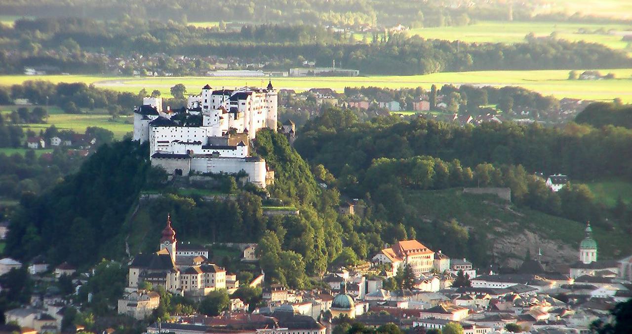 01_Castle_Hohen_Salzburg.jpg