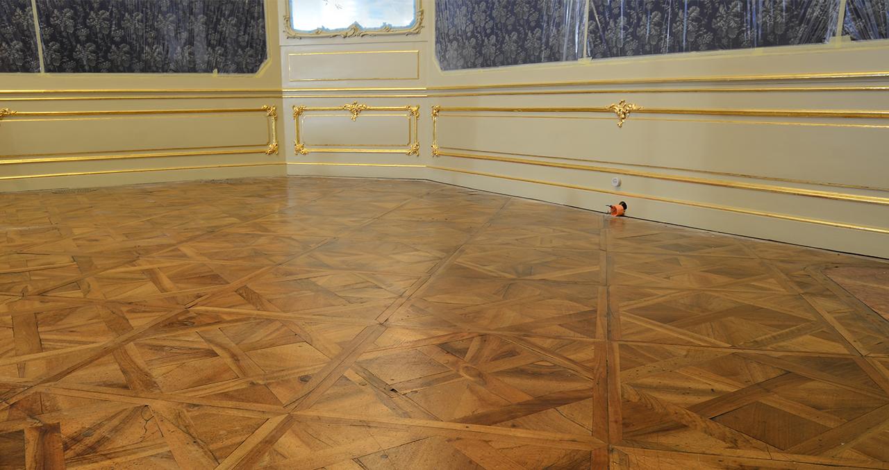 schönbrunn_imperial_bedroom_sissy_E_1.jpg