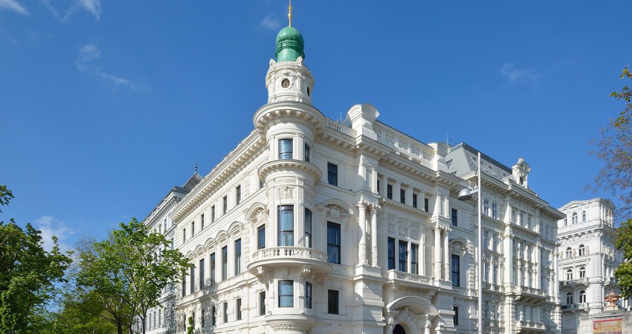 Palais_Larisch_Vienna6.jpg