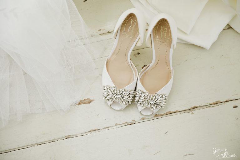 Lyde-Court-Wedding-GemmaWilliamsPhotography007-2-2000x1333(pp_w768_h511).jpg