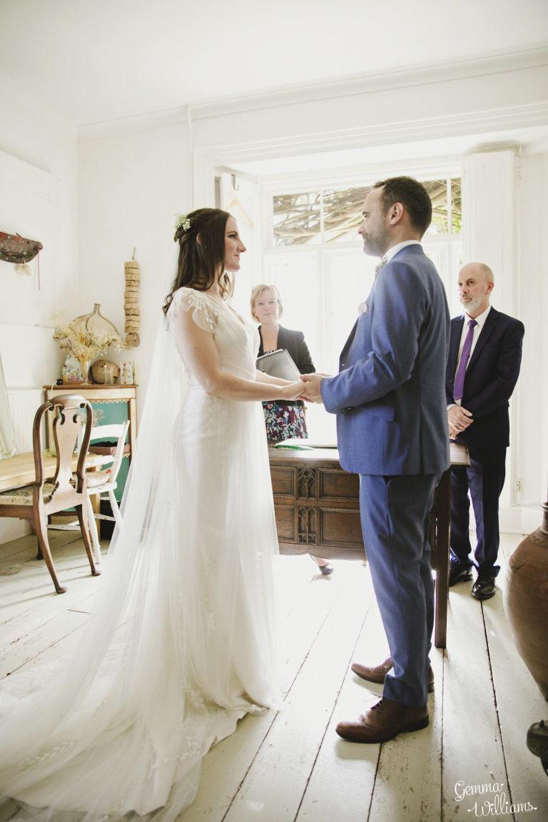 Lyde-Court-Wedding-GemmaWilliamsPhotography041-2-1333x2000(pp_w768_h1152).jpg