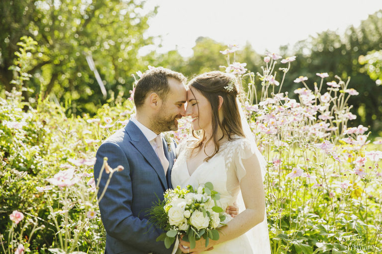 Lyde-Court-Wedding-GemmaWilliamsPhotography063-2-2000x1333(pp_w768_h511).jpg