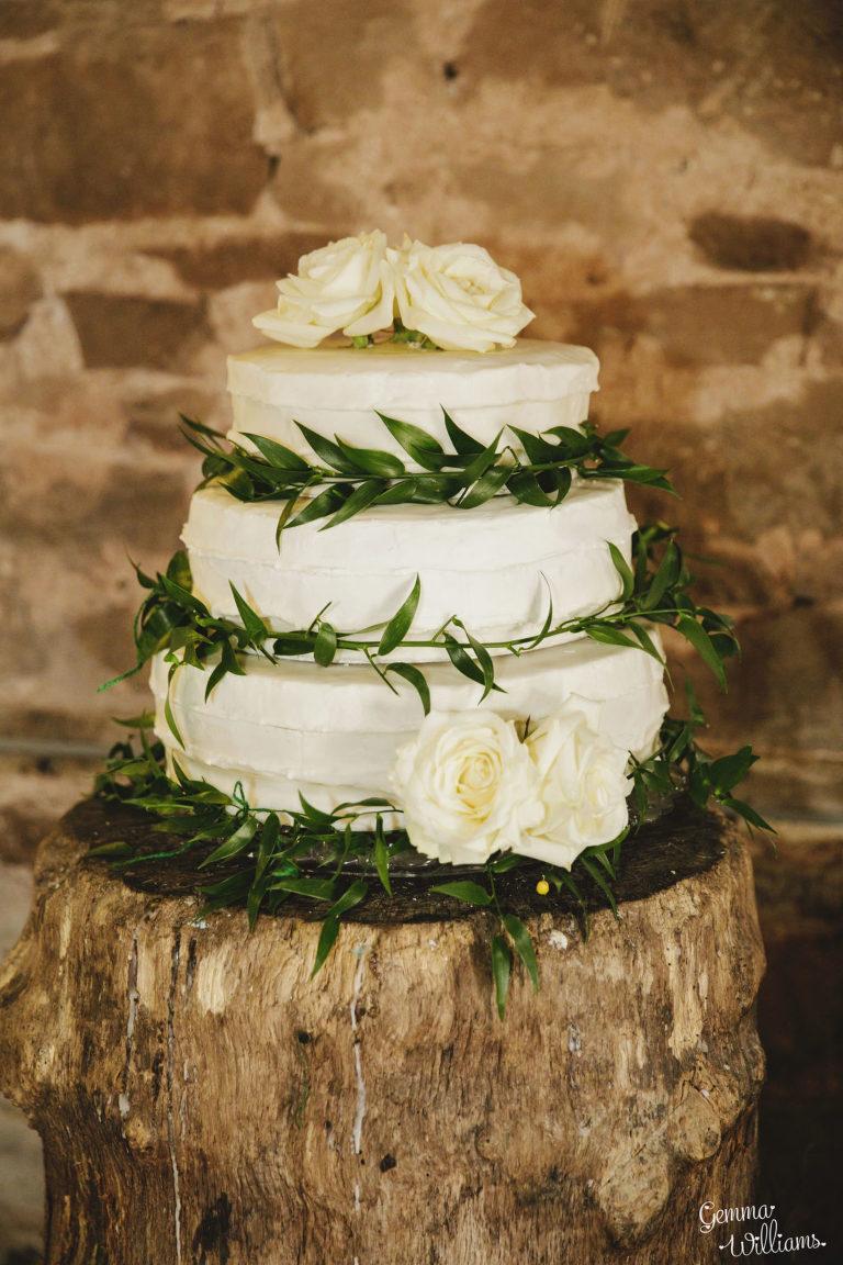 Lyde-Court-Wedding-GemmaWilliamsPhotography077-2-1333x2000(pp_w768_h1152).jpg