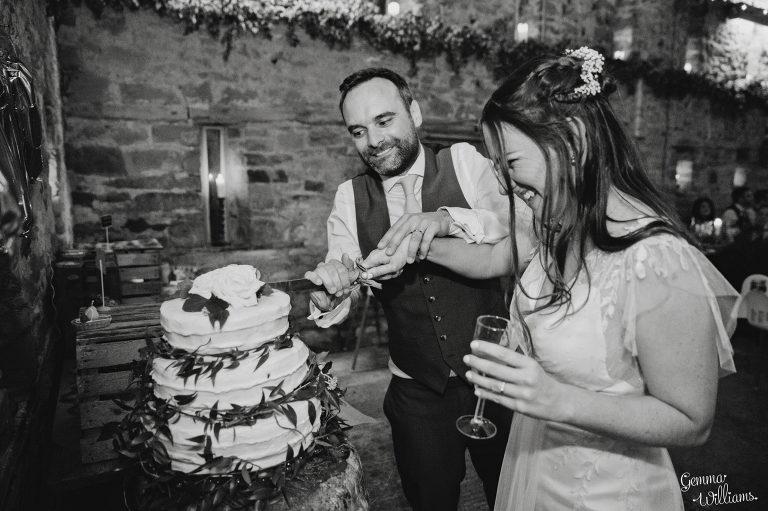 Lyde-Court-Wedding-GemmaWilliamsPhotography084-2-2000x1333(pp_w768_h511).jpg