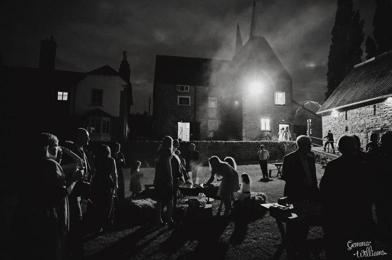 Lyde-Court-Wedding-GemmaWilliamsPhotography085-2-2000x1333(pp_w768_h511).jpg