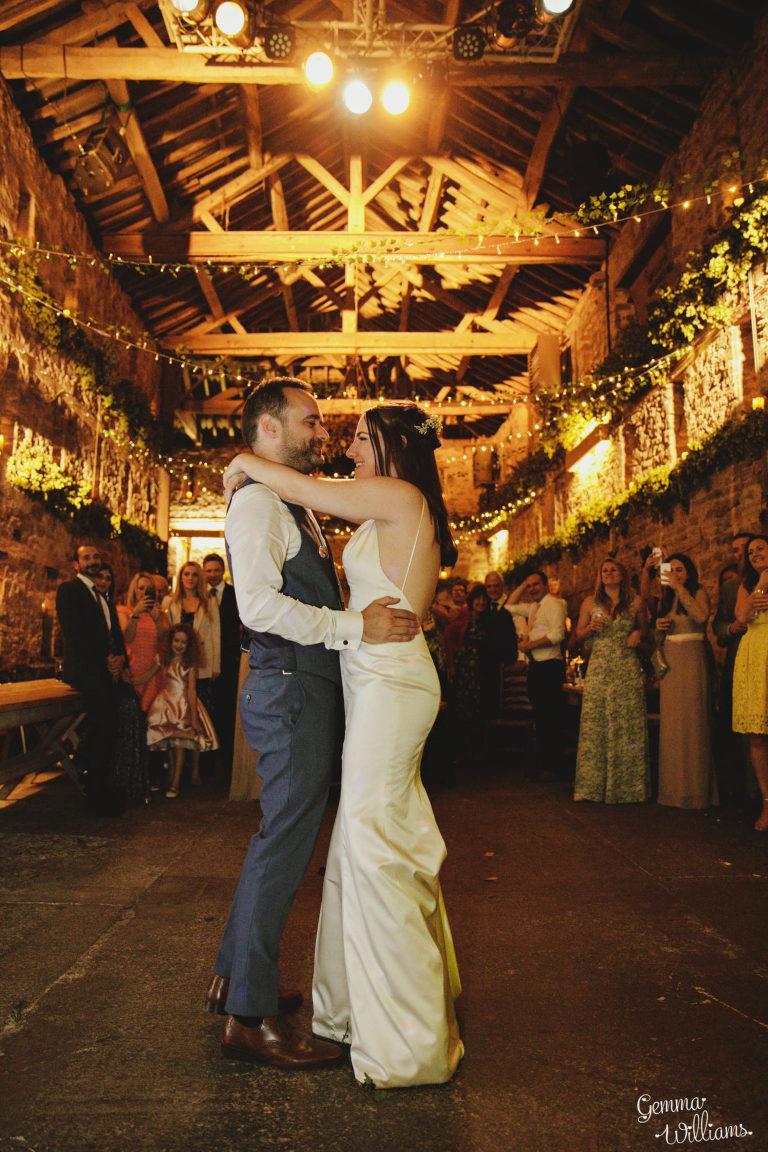 Lyde-Court-Wedding-GemmaWilliamsPhotography086-2-1333x2000(pp_w768_h1152).jpg