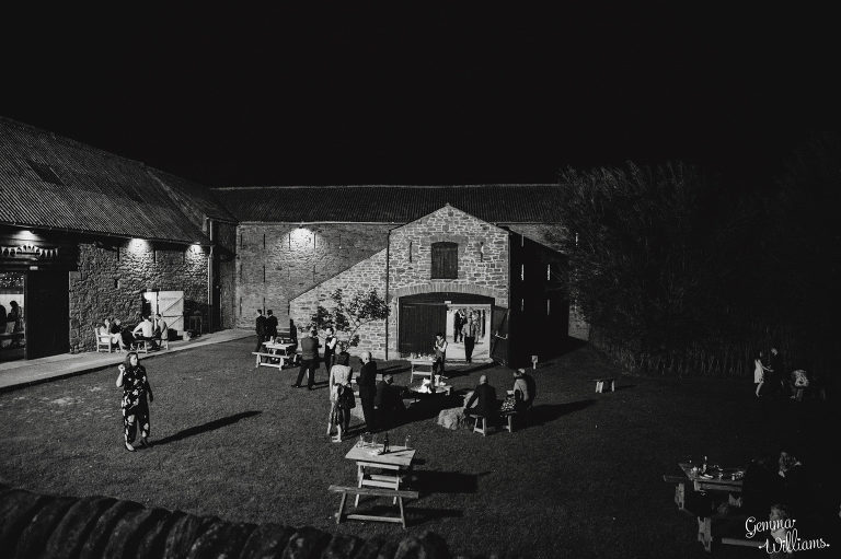 Lyde-Court-Wedding-GemmaWilliamsPhotography091-2-2000x1333(pp_w768_h511).jpg