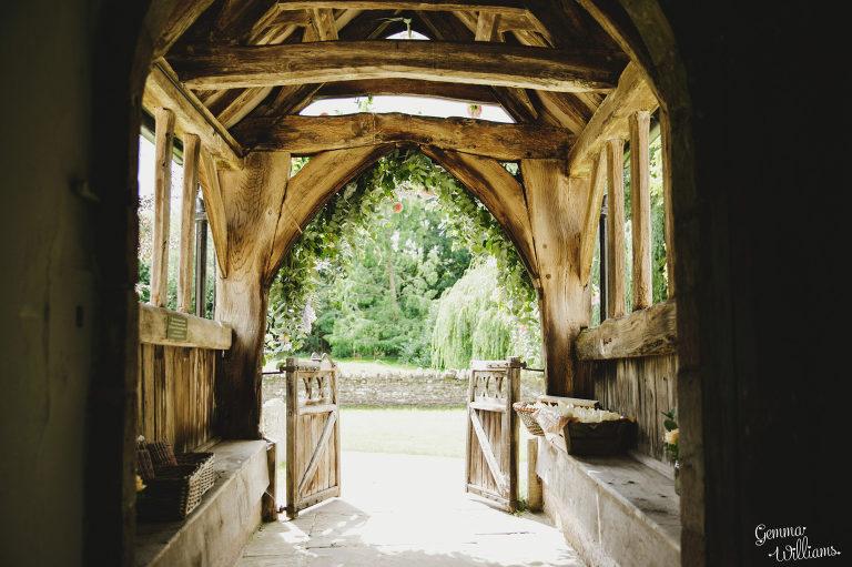 Dewsall-Wedding-GemmaWilliamsPhotography017-2000x1333(pp_w768_h511).jpg