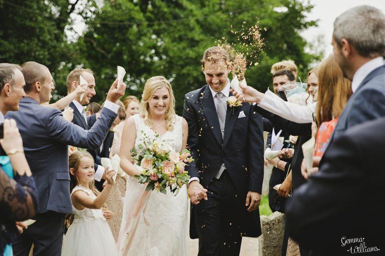 Dewsall-Wedding-GemmaWilliamsPhotography044-2000x1333(pp_w768_h511).jpg