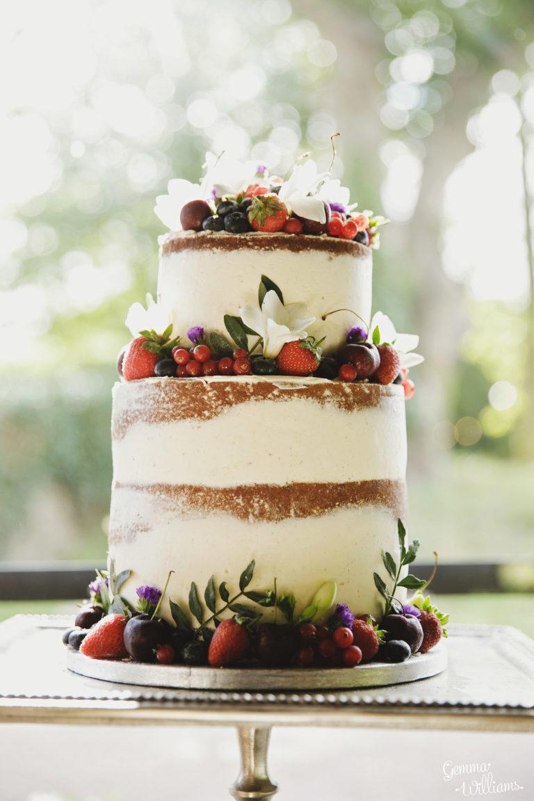Dewsall-Wedding-GemmaWilliamsPhotography066-1333x2000(pp_w768_h1152).jpg