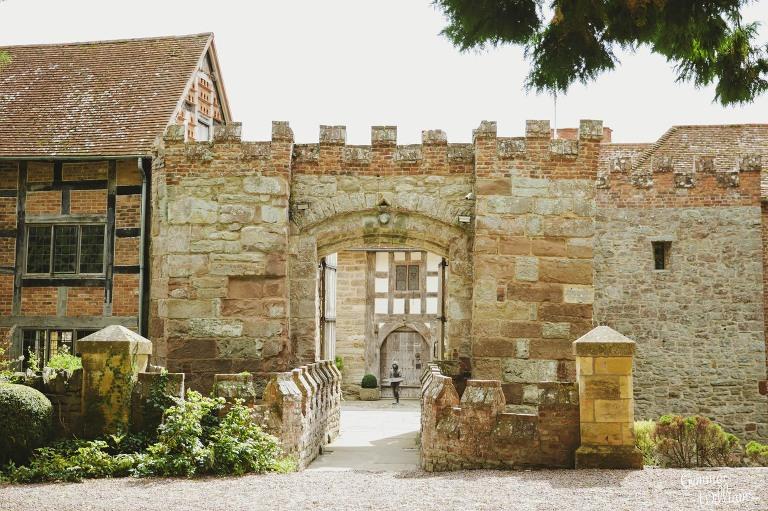 Birtsmorton-Wedding-Photography-GemmaWilliams004(pp_w768_h511).jpg