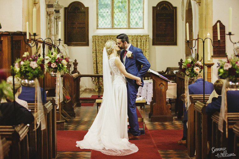 Birtsmorton-Wedding-Photography-GemmaWilliams112(pp_w768_h511).jpg