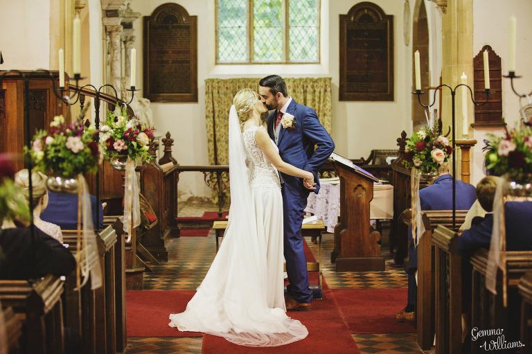 Birtsmorton-Wedding-Photography-GemmaWilliams112(pp_w768_h511).jpg