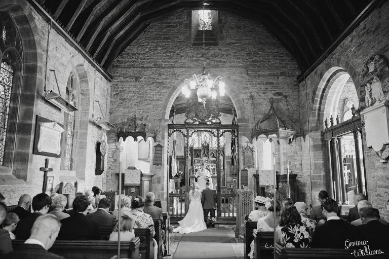 How-Caple-Wedding-GemmaWilliamsPhotography080(pp_w768_h511).jpg