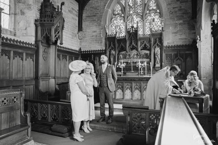 How-Caple-Wedding-GemmaWilliamsPhotography081(pp_w768_h511).jpg