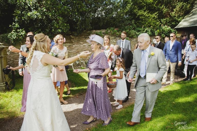 How-Caple-Wedding-GemmaWilliamsPhotography099(pp_w768_h511).jpg